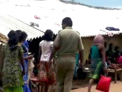 Videos : झारखंड : चार छात्राओं को स्कूल से अगवा कर किया गैंगरेप