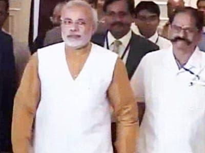 Video : Rs 5 per-head Narendra Modi rally shows real market value, says Congress