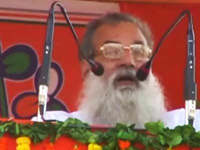 Videos : तृणमूल विधायक ने खुलेआम दी सिर काटने की धमकी