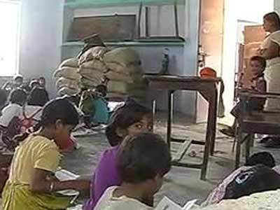 Video : Millions of Bihar school children go without mid-day meal