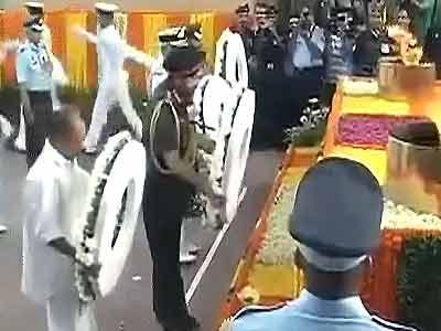 Videos : कारगिल विजय दिवस पर शहीदों को श्रद्धांजलि