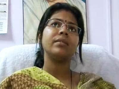 Videos : दुर्गा के मामले में एकजुट हुए आईएएस