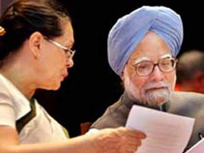 Video : Sonia's letter in support of IAS officer Durga threatens Food Security Bill