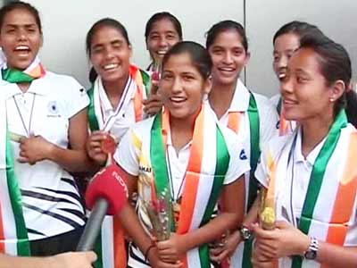 Video : Victorious return of India's junior women's hockey team
