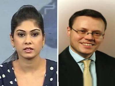 Video : Rupee likely to hit 65 against dollar in medium term: Credit Suisse