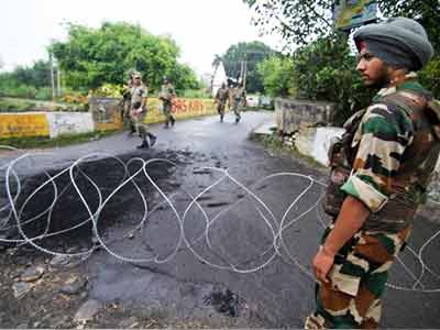 Video : Omar invokes Modi to counter BJP on Kishtwar violence in Kashmir