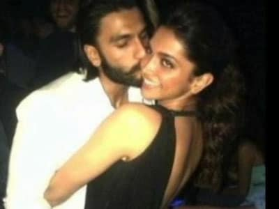 """Video : Ranveer Singh reportedly upset with being portrayed as Deepika's """"obsessed lover"""""""