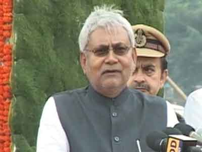 Video : Nitish Kumar demands special status, targets Modi in Independence Day speech