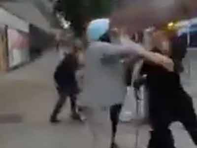 Video : British teen arrested for assaulting 80-year-old Sikh man