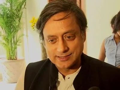 Video : Only social media can't help win elections, says Twitter-savvy Shashi Tharoor