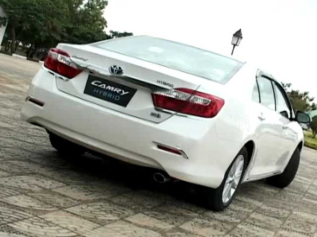 Video : New Camry Hybrid, Porsche's leipzig facility & Perschke's India drive ends
