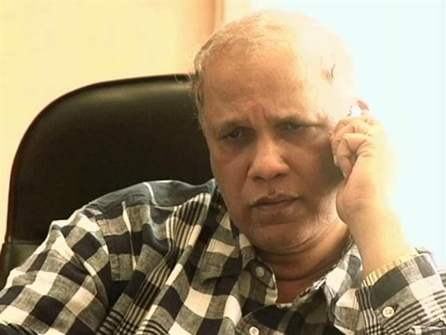 Video : Former Goa Chief Minister Digambar Kamat's Residence Raided in Bribery Case