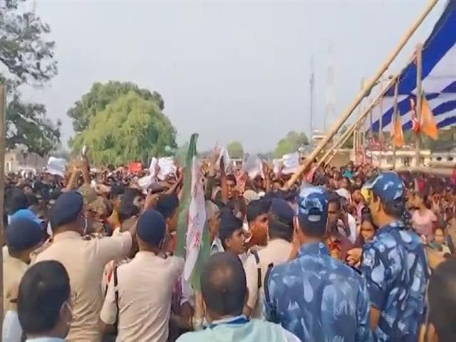 """Video : """"Where Are Jobs"""" Chant Greets Nitish Kumar During Bypoll Campaign"""