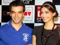 Video : Sonam's movie date with rumoured beau Punit