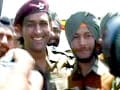 Video : When Lieutenant Colonel Dhoni met Indian army soldiers in J&K