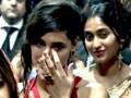 Video: रणबीर को मिला अवार्ड तो रो पड़ीं नरगिस!