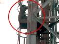 Videos : अफसर की धमकी से नाराज जवान टावर पर चढ़ा