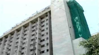 Video : No electricity at Bombay Hospital for 24 hrs