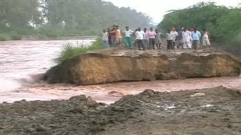 Videos : बाढ़ से बेहाल