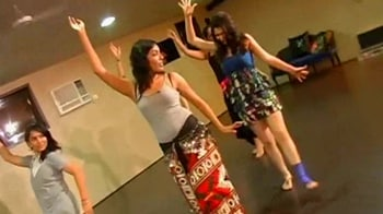 Video : Going Shakira way, learn to be a belly dancer