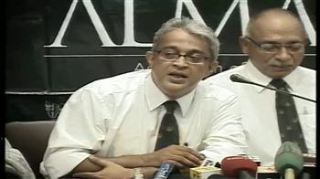 Video : Kolkata school alumni defends principal