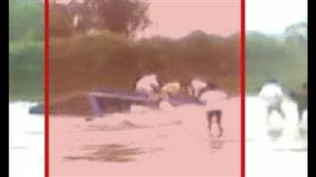Video : Madhya Pradesh: 16 killed in bus accident in Dewas
