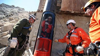 Video : Chile: Rescue of trapped miners begins