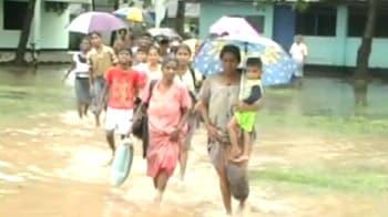 Video : 200,000 left homeless in Sri Lanka floods