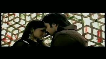 Videos : Emraan Hashmi loves to romance on screen