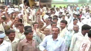 Video : Farmer protests: Mayawati relents, will pay more for land