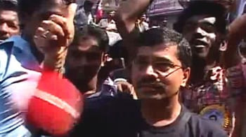 Video : Mumbai on Rajini: He is too good, very simple man