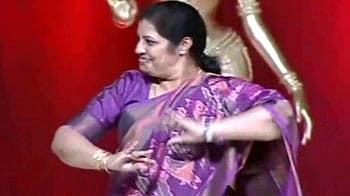 Video : Minister Purandeswari's dance moves