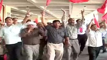Video : Air India staff call off strike; 15 employees sacked