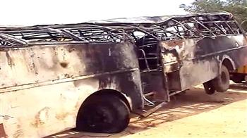 Video : 30 dead as bus overturns, catches fire