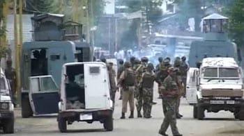 Video : Sopore: 1 killed in CRPF firing, 3rd in a week