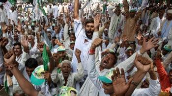 Video : Uttar Pradesh farmers bring their protest to Delhi