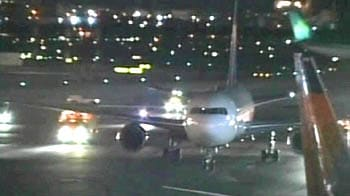 Video : Emergency landing at JFK after engine fails