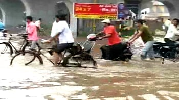 Video : Heavy rains cause flooding in Ahmedabad