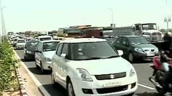 Video : Dedicated CWG traffic lanes spell doom