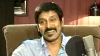 Video : Vikram: Has Rajinikanth's vote