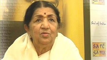 Videos : लता मंगेशकर हुई 81 साल की