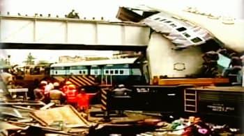 Videos : सेंथिया स्टेशन पर हुआ हादसा