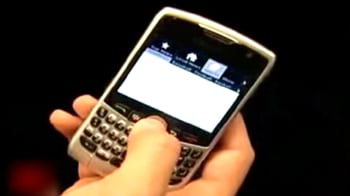Video : BlackBerry agrees to give access to Messenger