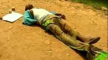 Videos : बंधक पुलिसकर्मी के शव की हुई पहचान