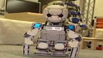 Video : Japan births robot child