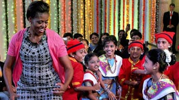 Video : Michelle Obama charms her way into Indian hearts