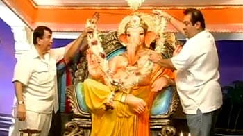 Video : Bollywood celebrates Ganesh Utsav