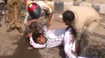 Video : Brutal lathicharge on protesters in Patna