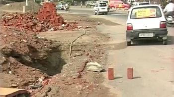 Videos : बारिश ने दिल्ली के पसीने छुड़ाए