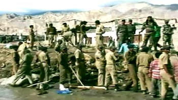 Video : Leh: 130 dead, 400 missing; relief planes for stranded tourists